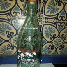 Coleccionismo Otros Botellas y Bebidas: ANTIGUA BOTELLA DE GASEOSA DE ESPUMOSOS SAMBA ALBALATE DEL ARZOBISPO, CON RELIEVE. Lote 195238681