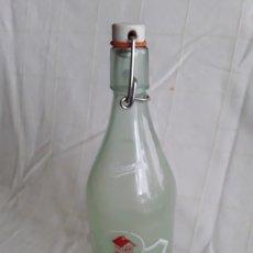 Coleccionismo Otros Botellas y Bebidas: ANTIGUA BOTELLA DE LA CASERA. Lote 195539120