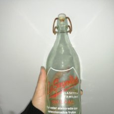 Coleccionismo Otros Botellas y Bebidas: ANTIGUA BOTELLA GASEOSA LA SUGESTIVA. Lote 199982543