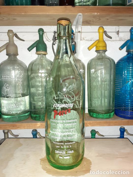 Coleccionismo Otros Botellas y Bebidas: BOTELLA DE GASEOSA LA FUENTE DE CELLA TERUEL - Foto 2 - 202258145