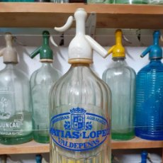 Coleccionismo Otros Botellas y Bebidas: SIFÓN MATÍAS LÒPEZ DE VALDEPEÑAS. Lote 204081040