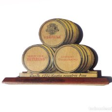 Coleccionismo Otros Botellas y Bebidas: ANTIGUO SERVILLETERO EN MADERA, PUBLICIDAD VETERANO OSBORNE MAGNO , FINO QUINTA.- 17X4X11,5.. Lote 210580062