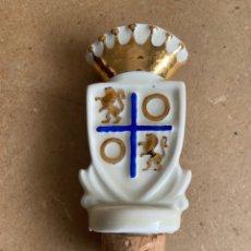 Coleccionismo Otros Botellas y Bebidas: TAPÓN DE CERÁMICA DE OSBORNE, ESCUDO DE CONDE DE OSBORNE, CON CORCHO. Lote 210593950