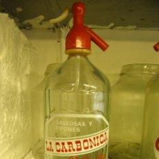 Coleccionismo Otros Botellas y Bebidas: SIFON LA CARBONICA IGUALADA. Lote 215851543
