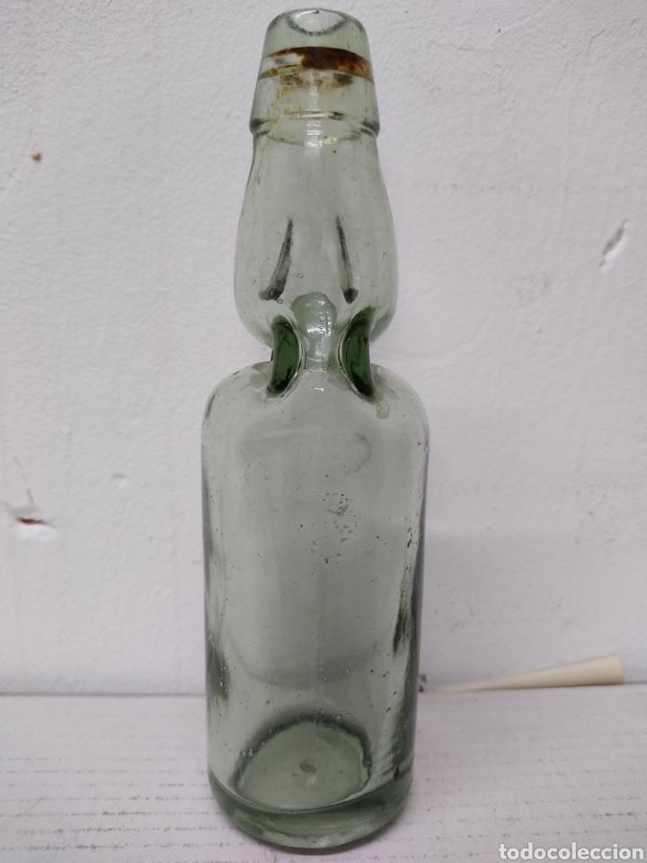 Coleccionismo Otros Botellas y Bebidas: BOTELLA CON BOLITA ANTIGUA BOTELLA DE GASEOSA .BOLICHE, AÑOS 1940. - Foto 3 - 216772120