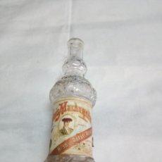 Coleccionismo Otros Botellas y Bebidas: MUY ANTIGUA BOTELLITA ANÍS MACHAQUITO. HIJO DE RAFAEL REYES.. Lote 219826693