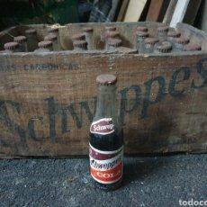 Coleccionismo Otros Botellas y Bebidas: CAJA SCHWEPPES COLA + 24 BOTELLINES. Lote 236243845