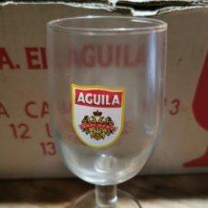 Coleccionismo Otros Botellas y Bebidas: LOTE DE 12 COPAS S. A. EL ÁGUILA EN SU CAJA ORIGINAL.. Lote 237003115