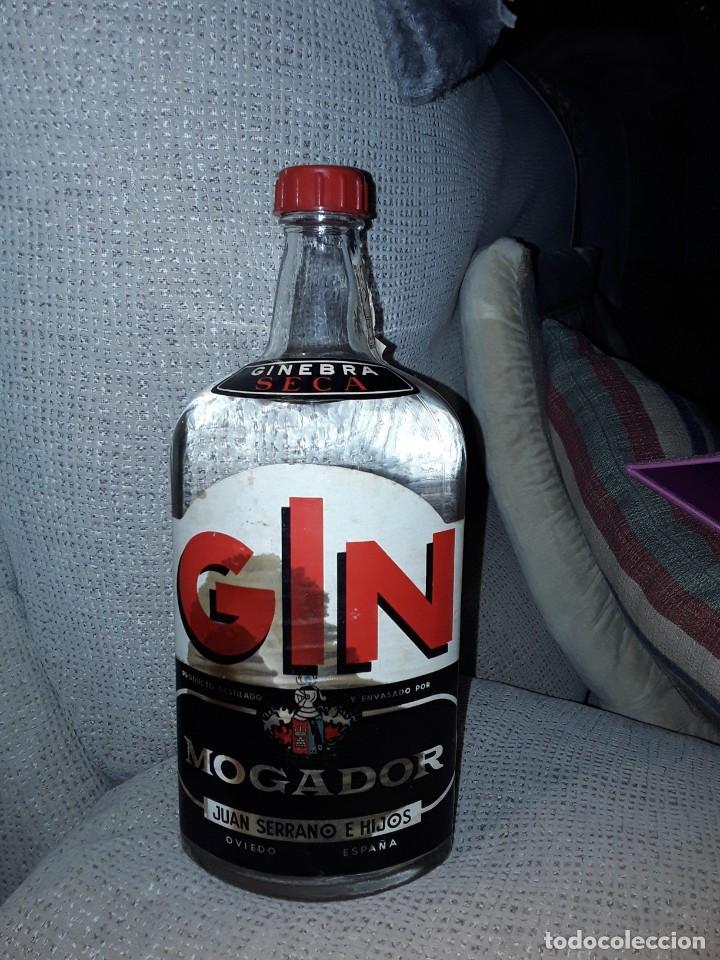 GINEBRA SECA GIN MORGADOR .PRECINTO 4 PESETAS. (Coleccionismo - Otras Botellas y Bebidas )