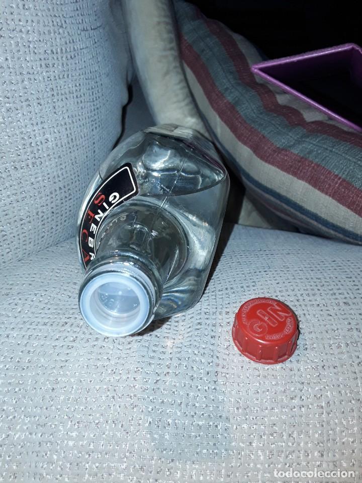 Coleccionismo Otros Botellas y Bebidas: GINEBRA SECA GIN MORGADOR .PRECINTO 4 PESETAS. - Foto 8 - 243103665