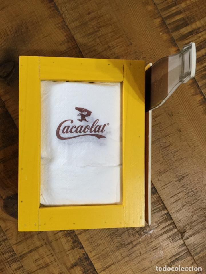 Coleccionismo Otros Botellas y Bebidas: CACAOLAT - SERVILLETERO DE MADERA - 2020 - BARCELONA - Foto 7 - 244481705