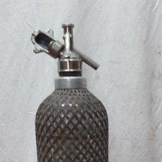 Coleccionismo Otros Botellas y Bebidas: SIFON FORRADO MALLA METALICA. Lote 247620570