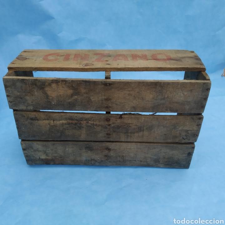 Coleccionismo Otros Botellas y Bebidas: Antigua caja de madera de botellas CINZANO años 50 - 60 - Foto 6 - 249278295