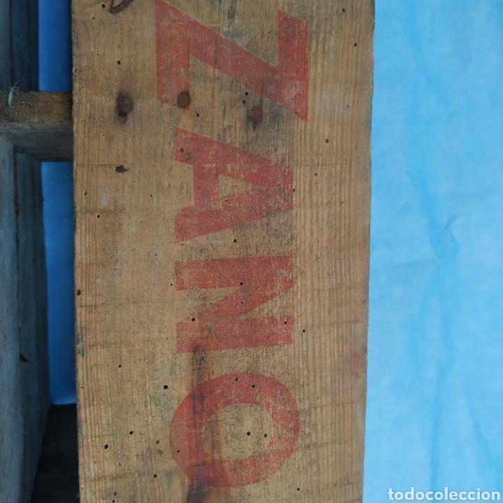 Coleccionismo Otros Botellas y Bebidas: Antigua caja de madera de botellas CINZANO años 50 - 60 - Foto 8 - 249278295