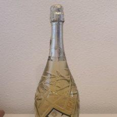 Coleccionismo Otros Botellas y Bebidas: CAVA FASHION VICTIM ASTORIA BRUT. Lote 251745135