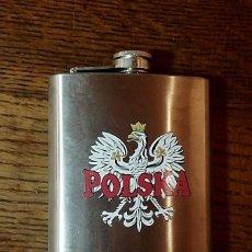 Coleccionismo Otros Botellas y Bebidas: PETACA DE POLONIA CON ESCUDO NACIONAL. Lote 252162890