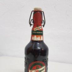 Coleccionismo Otros Botellas y Bebidas: SAN MIGUEL INVIERNO ,CERVEZA,LLENA 2002. Lote 253840440