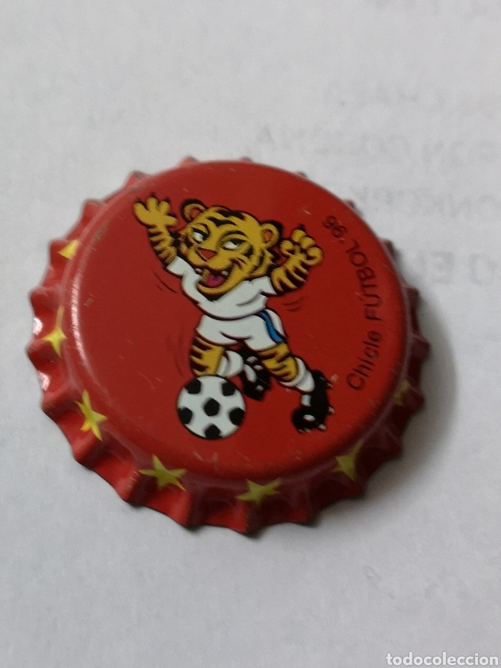 A13. TAPON CORONA. CROWN CAPS. CHICLE FUTBOL 96 (Coleccionismo - Otras Botellas y Bebidas )