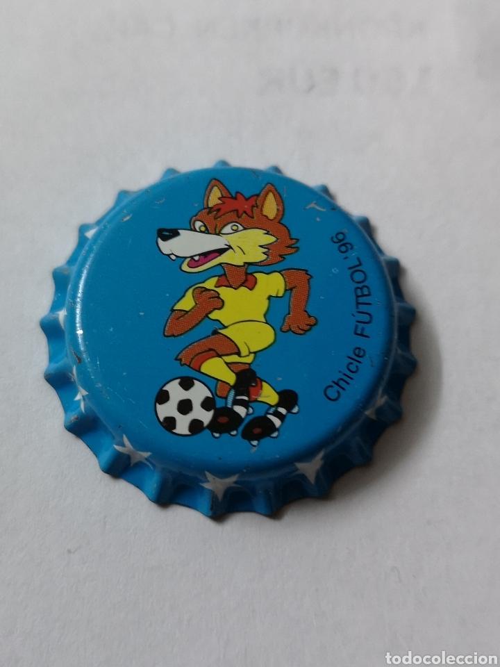 A18. TAPON CORONA. CROWN CAPS. CHICLE FUTBOL 96 (Coleccionismo - Otras Botellas y Bebidas )
