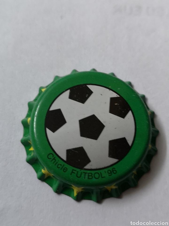 A22. TAPON CORONA. CROWN CAPS. CHICLE FUTBOL 96 (Coleccionismo - Otras Botellas y Bebidas )