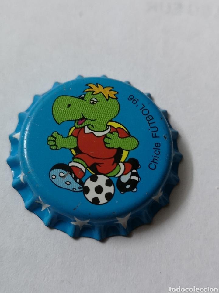 A24. TAPON CORONA. CROWN CAPS. CHICLE FUTBOL 96 (Coleccionismo - Otras Botellas y Bebidas )