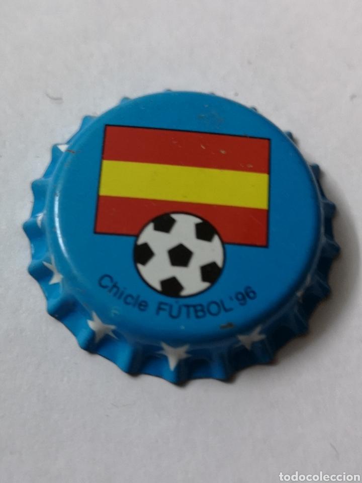 A73. TAPON CORONA. CROWN CAPS. CHICLE FUTBOL 96 (Coleccionismo - Otras Botellas y Bebidas )