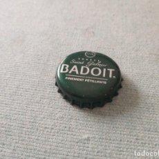 Coleccionismo Otros Botellas y Bebidas: CHAPÓN AGUA MINERAL CARBONATADA BADOÎT (DAP). Lote 255536520