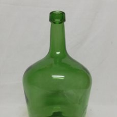 Coleccionismo Otros Botellas y Bebidas: DAMAJUANA. GARRAFA DE CRISTAL VERDE OLIVA. 2 LITROS. VII. Lote 261274950