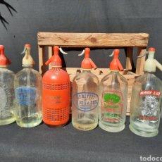 Coleccionismo Otros Botellas y Bebidas: COLECCIÓN DE 6 SIFONES ANTIGUOS DE TENERIFE CON CAJA DE MADERA. Lote 261895130