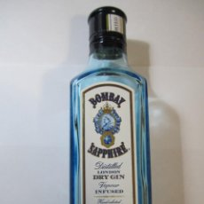 Coleccionismo Otros Botellas y Bebidas: MINI BOTELLA VACIA BOMBAY SAPPHIRE 200ML. Lote 285052238