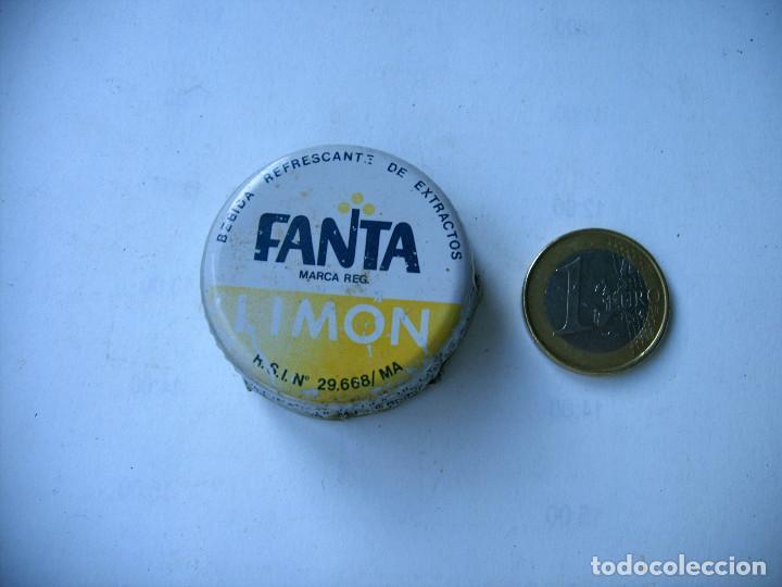 Coleccionismo Otros Botellas y Bebidas: ANTIGUO TAPÓN DE FANTA LIMON GRANDE MUY RARO - Foto 2 - 288608283