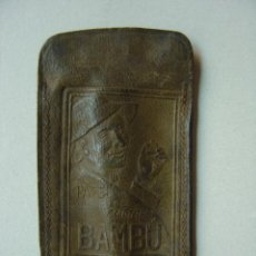 Papel de fumar: ANTIGUA FUNDA DE PIEL DE PAPEL DE FUMAR BAMBU. Lote 12721687