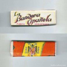 Papel de fumar: LA BANDERA ESPAN?OLA MARCA REGISTRADA GRANADA FALANGE J UNA GRANDE LIBRE ANTIGUO LIBRILLO PAPEL LIAR. Lote 63990507
