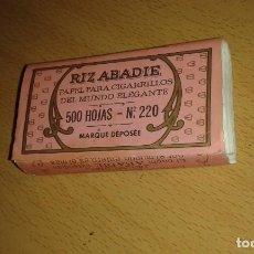 Papel de fumar: LIBRILLO DE PAPEL DE FUMAR RIZ ABADIE, 500 HOJAS, N 220. LLENO.. Lote 68616593