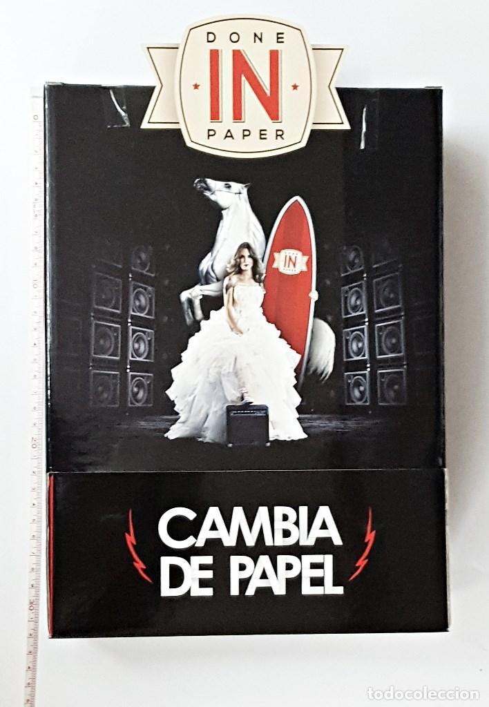 CAJA DE CARTON EXPENDEDORA DE PAPEL DE FUMAR DONE IN PAPER. (Coleccionismo - Objetos para Fumar - Papel de fumar )