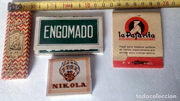 LOTE DE LIBRILLO LLENO DE PAPEL DE FUMAR Y LIBRILLO PAPEL LIMPIAR CRISTALES DE GAFAS ANTIGUOS (Coleccionismo - Objetos para Fumar - Papel de fumar )