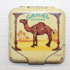 Papel de fumar: ANTIGUA CAJA DE LATA PARA PAPEL DE FUMAR CAMEL, 5X5 CM. Lote 129283995