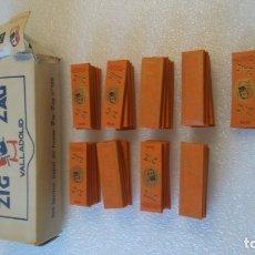 Papel de fumar: CAJA Y 42 LIBRILLOS PAPEL FUMAR ZIG ZAG 125 VALLADOLID. Lote 182772605