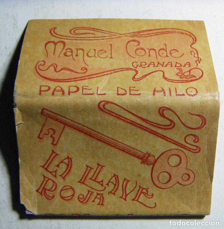 LIBRITO DE PAPEL DE FUMAR LA LLAVE ROJA MANUEL CONDE GRANADA COMPLETO EN BUEN ESTADO RARO (Coleccionismo - Objetos para Fumar - Papel de fumar )