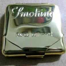 Papel de fumar: CAJITA METÁLICA PAPEL DE FUMAR SMOKING DORADA. AÑOS 80. Lote 206488136