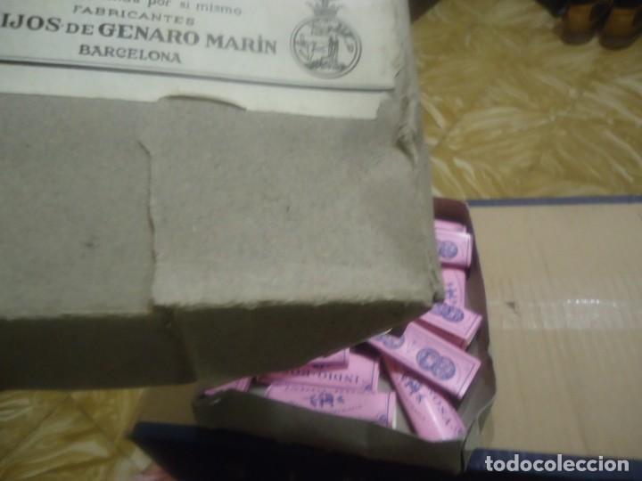 Papel de fumar: Antigua caja de papel de fumar marca el indio rosa,Hijos de Genaro marin,Barcelona. - Foto 3 - 191401173
