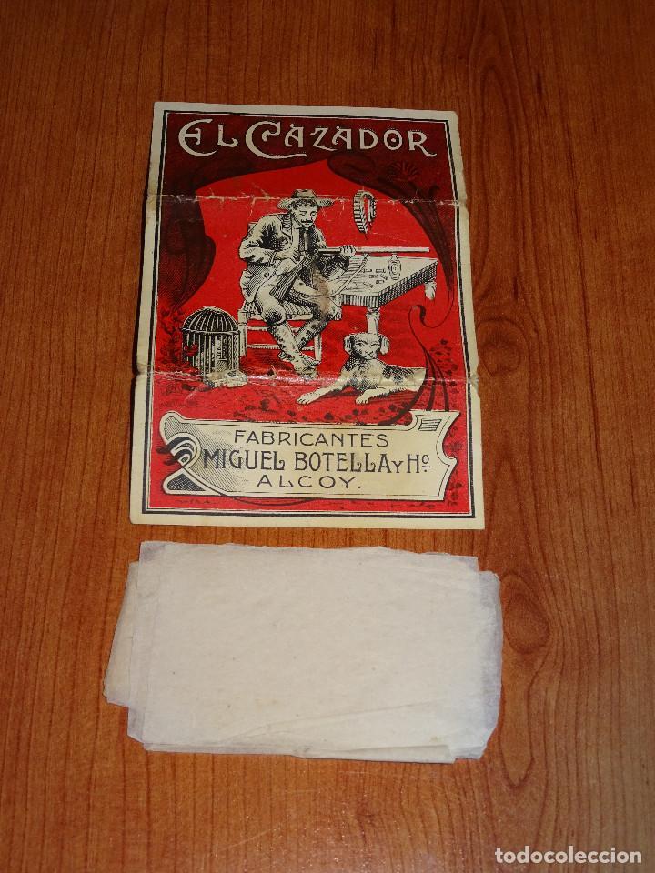 EL CAZADOR FABRICANTES MIGUEL BOTELLA Y HO ALCOY. CONSERVA 8 PAPELILLOS (Coleccionismo - Objetos para Fumar - Papel de fumar )