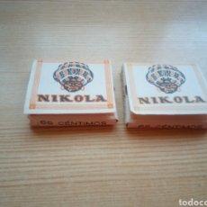 Papel de fumar: DOS CAJITAS DE PAPEL DE FUMAR NIKOLA. MUY ANTIGUAS. LLENAS. CON 65 HOJITAS CADA UNA. Lote 194012897