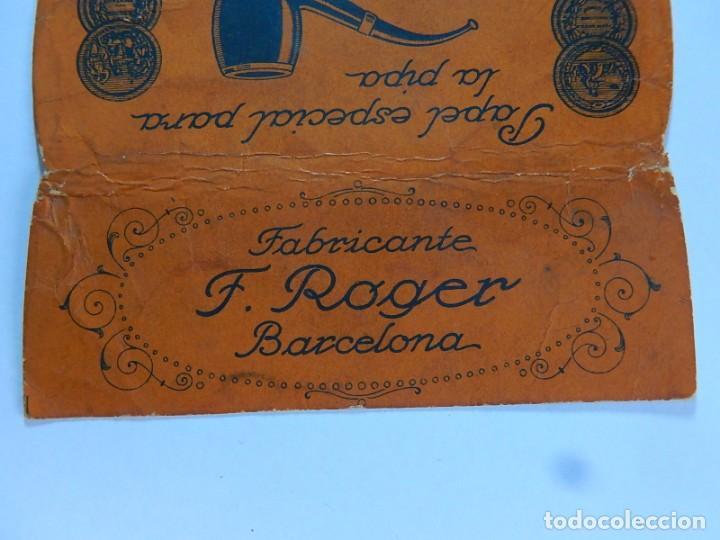 Papel de fumar: Envoltura o parte de ella, de un librillo papel de fumar especial para la pipa. F. Roger. Barcelona. - Foto 2 - 194084310