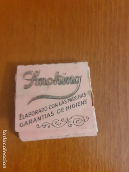 Papel de fumar: librito de papel de fumar Smoking con hojas - Foto 2 - 198862040