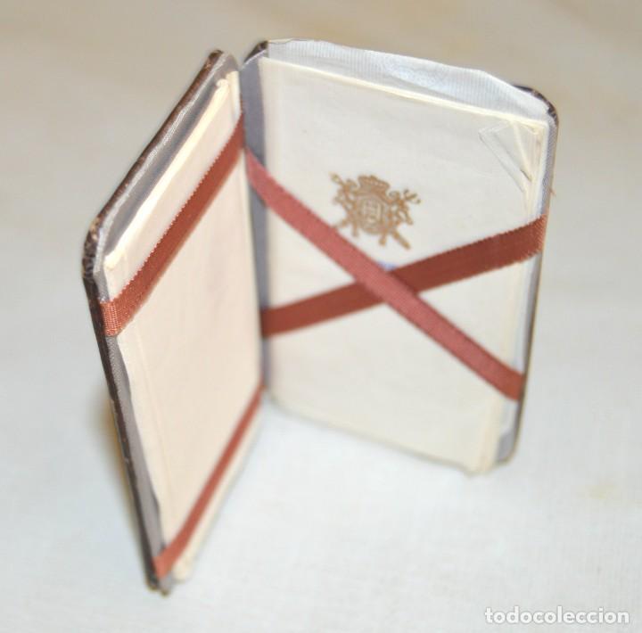 ABADIE RIZ - ANTIGUO LIBRILLO EN CUERO - CON PAPELES (Coleccionismo - Objetos para Fumar - Papel de fumar )