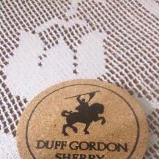 Coleccionismo Papel Varios: POSAVASOS DE CORCHO, ANTIGUO, DUFF GORDON SHERRY. Lote 58341453