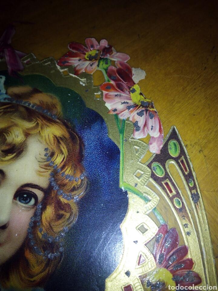 Coleccionismo Papel Varios: Cartón troquelado y grofado y con purpurina niña. Modernista. Cartel. - Foto 3 - 106630956