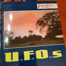 Coleccionismo Papel Varios: CUADERNILLO FACTFILES U.F.O.S. POR HELEN BROOKE.. Lote 116869678