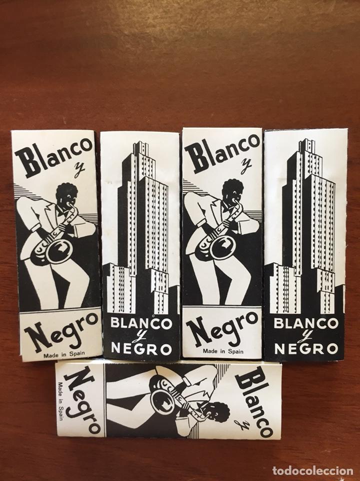 5 LIBRITOS PAPEL FUMAR BLANCO Y NEGRO (Coleccionismo en Papel - Varios)